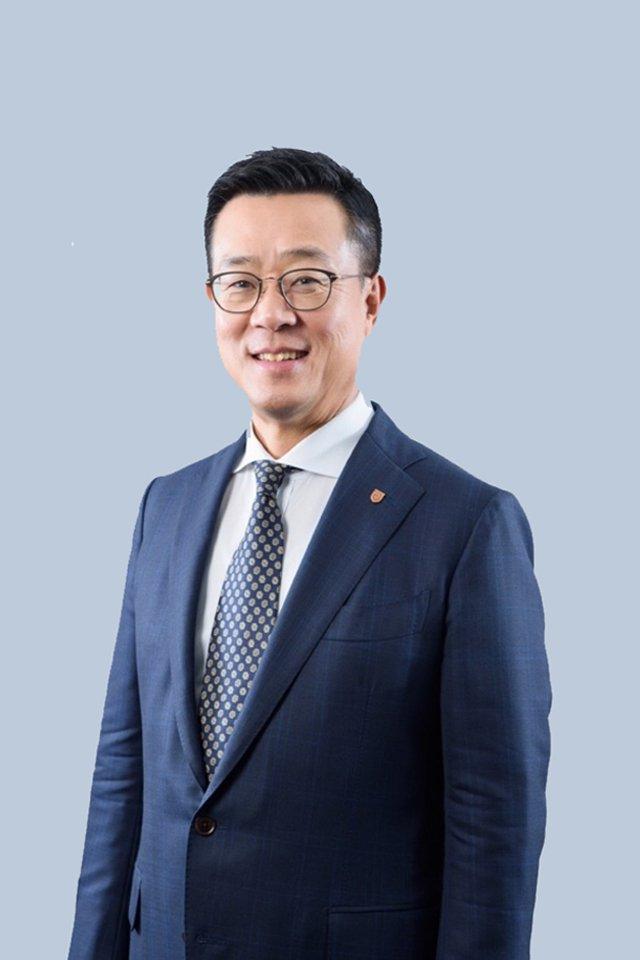 Mr Hong Sung
